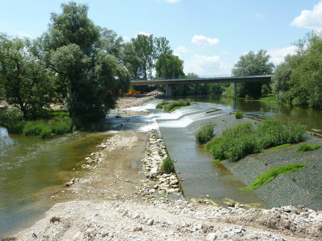 Flussverbauung