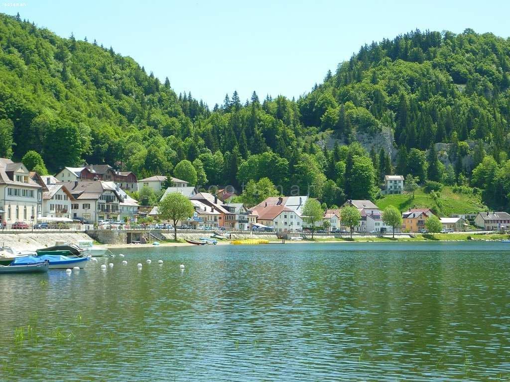 Schweiz, Belle Lac dans le Jura suisse